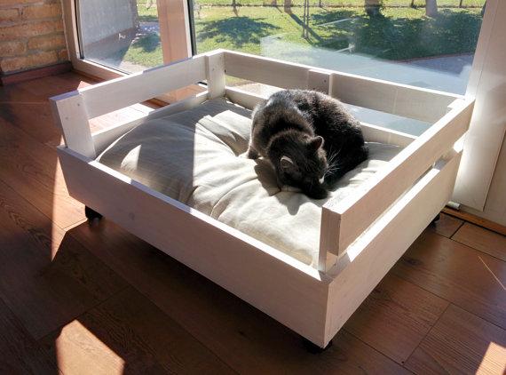 Construye una cama de palets para tu mascota manos a la for Como hacer una cama de palets