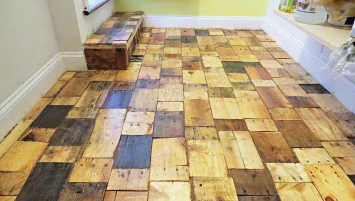 Este hombre creo su propio piso de madera con muy bajo - Cubre piso alfombra ...