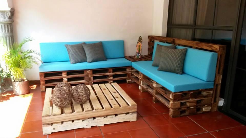 20 ejemplos de muebles hechos con pallets con los que puedes renovar tu terraza manos a la obra - Muebles Palets