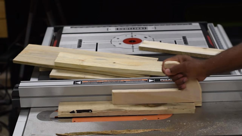Realiza tu propio protector de salpicaduras para la cocina en sencillos pasos manos a la obra - Protector antisalpicaduras cocina ...
