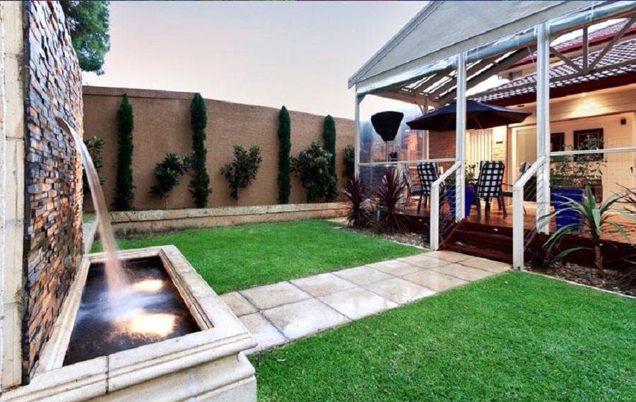 10 innovadoras ideas para realizar un jard n de lujo en for Decoracion vallas jardin