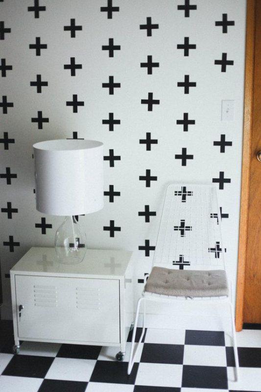 C mo colocar un vinilo decorativo sobre una pared con for Vinilos pared gotele