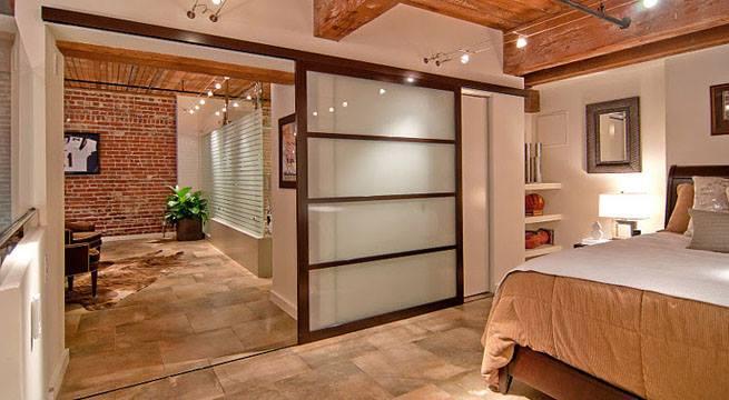 14 ideas para una puerta corrediza de ensue o en casa for Puertas de vidrio corredizas para interiores