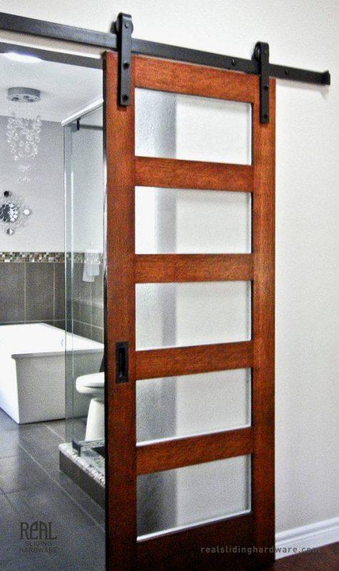 14 ideas para una puerta corrediza de ensue o en casa for Puerta industrial