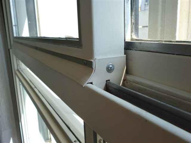 Mant n el ambiente c lido de tu hogar y aprende c mo for Aislar puerta entrada