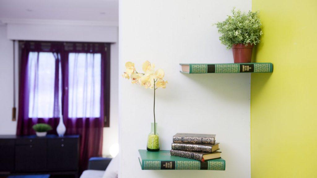 Dale un toque especial a tu hogar con estas 5 ideas de - Baldas decorativas pared ...