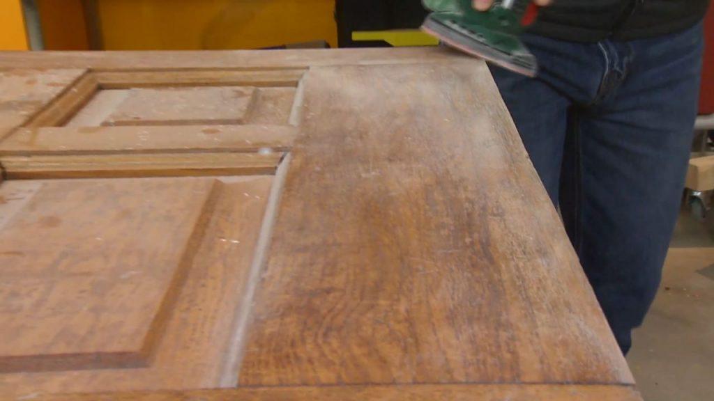 No deseches rehusa aprende c mo hacer una mesa for Reciclar palets de madera paso a paso