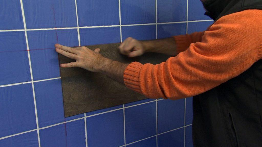 Sepa cu l es el truco para revestir vin lico para suelos y for Revestimiento vinilico pared