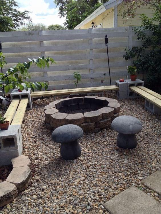 10 trabajos con bancos hechos de bloques de cemento y for Bloques cemento para jardin