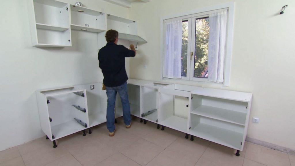 Instala muebles de cocina armables como se hizo en este for Cocinas armables