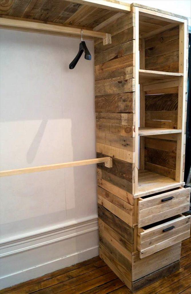 Podr as hacer un armario multifuncional con pallets de madera en pocos minutos mira aqu - Como forrar un armario con tela ...