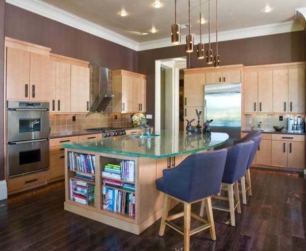 adems las cocinas modernas presentan otras en el mobiliario como los gabinetes encimeras y detalles decorativos donde