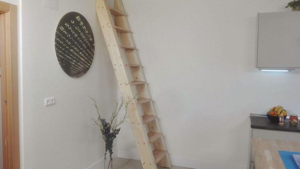si tenemos un altillo y muy poco espacio para construir una escalera hoy tenemos la solucin construir la escalera ms firme cmoda y segura