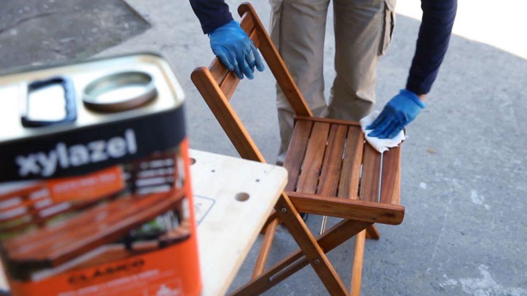 Conoce este aceite milagroso que mantiene los muebles de for Muebles madera teca