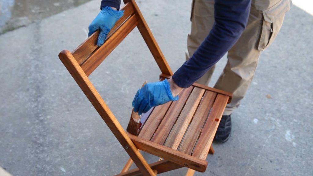 Conoce este aceite milagroso que mantiene los muebles de - Aceite de teca para madera ...