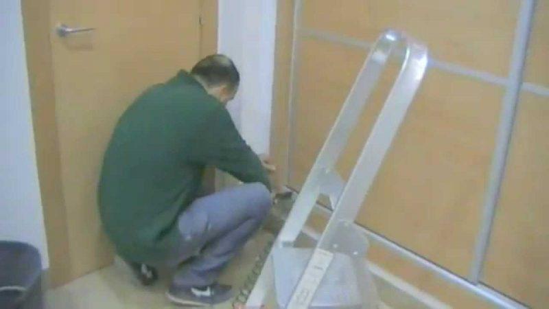 Cre una puerta corredera para armario empotrado mira lo - Como hacer un armario con puertas correderas ...