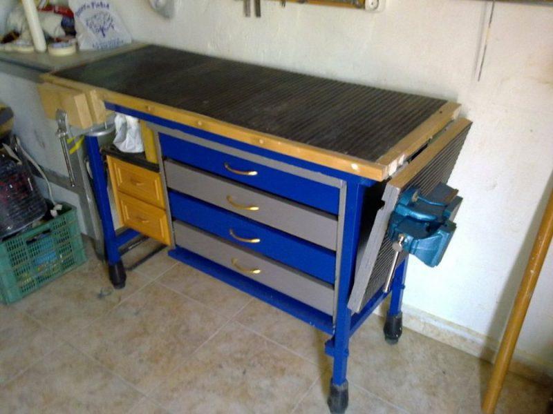 8 mesas de trabajo de las que una por lo menos debes tener for Mesas de trabajo para taller