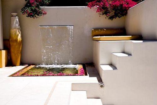 12 ideas para decorar tu jard n con asombrosos dise os - Fuente decoracion interior ...