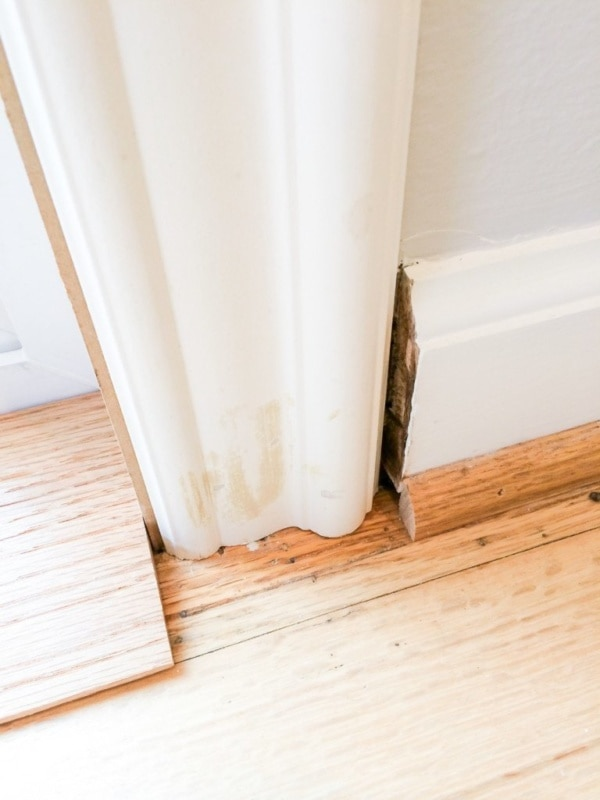 Mira esta excelente técnica para asemejar el marco de su puerta a un ...
