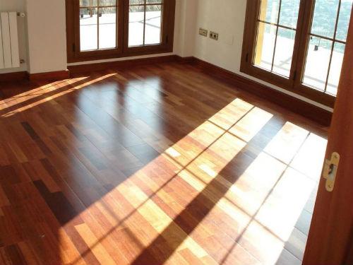 Conoce algunos tips para instalar suelos laminados en casa for Suelos laminados adhesivos