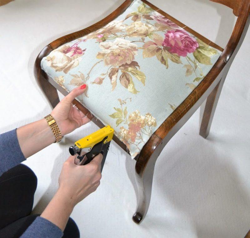 Este fin de semana remodela tus sillas con este proyecto - Como tapizar una silla con respaldo ...