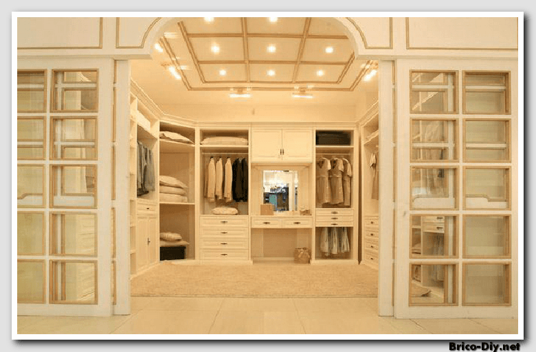 Closets modernos para dormitorios diseo closets para for Interiores de closet de madera