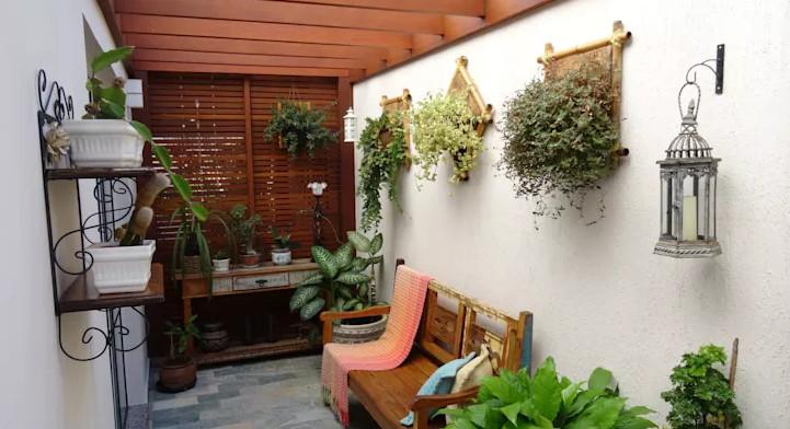 12 estilos para albergar plantas en jardines peque os manos a la obra - Capazos baratos para decorar ...