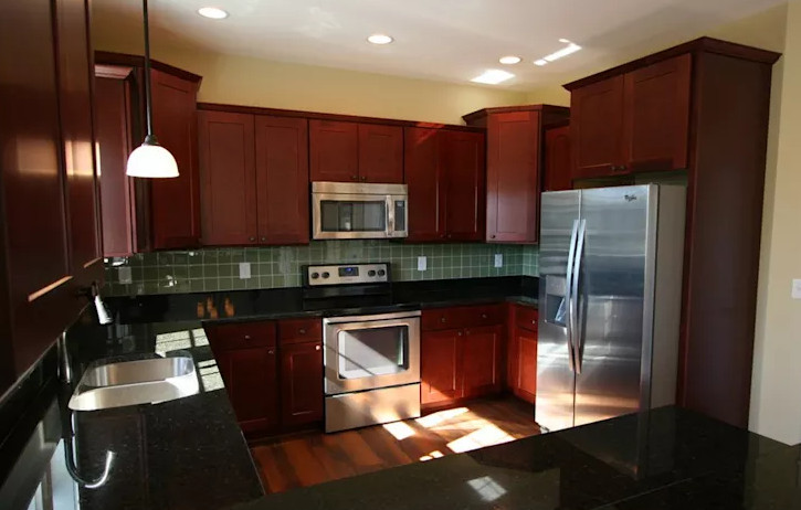 15 cosas que nunca debes hacer al remodelar tu cocina for Que hace un disenador de interiores