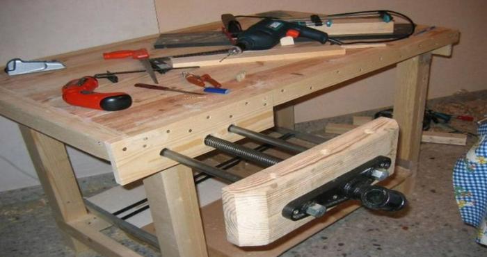 Las 8 mesas de trabajo m s usadas por los expertos del - Mesa de trabajo bricolaje ...