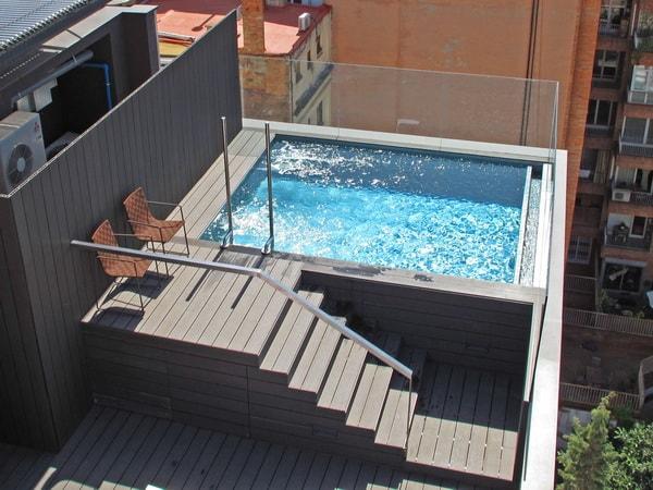 Quieres tener una piscina pero tu patio es peque o for Piscinas en patios muy pequenos