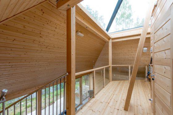 Construye la casa m s original hecha de madera en forma - Como se construye una casa de madera ...